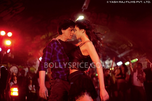 12oct JTHJ stills13 Exclusive stills and wallpapers from Jab Tak Hai Jaan!