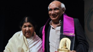 Lata Mangeshkar pays tribute to her brother Yash Chopra