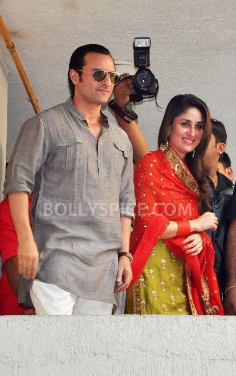12oct SaifKareenaCourtWedding02 In Photos: Saif and Kareena Wedding: The Registered Marriage