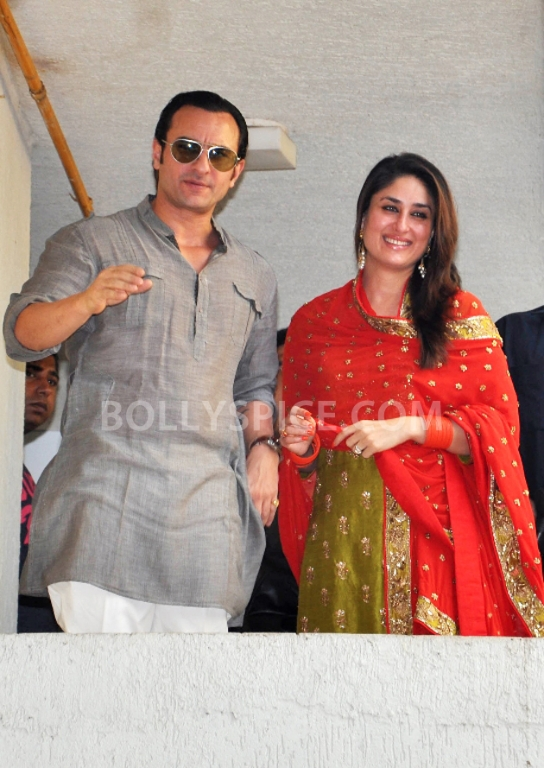 12oct SaifKareenaCourtWedding03 In Photos: Saif and Kareena Wedding: The Registered Marriage