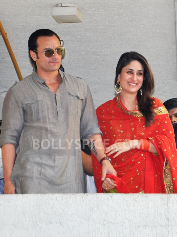 12oct SaifKareenaCourtWedding04 In Photos: Saif and Kareena Wedding: The Registered Marriage