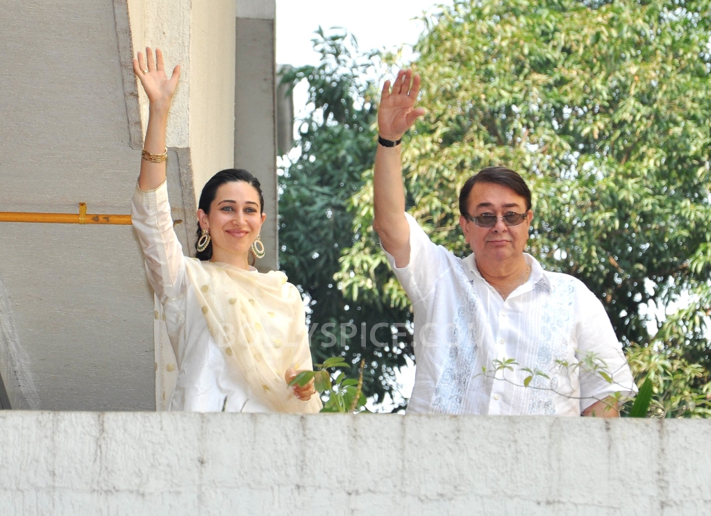 12oct SaifKareenaCourtWedding10 In Photos: Saif and Kareena Wedding: The Registered Marriage