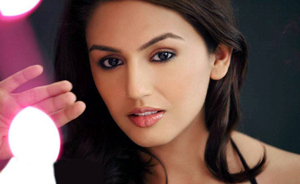 11nov huma 03 Huma Qureshi:  Luv Shuv Tey Chicken Khurana is one of the best feel good romantic family comedies