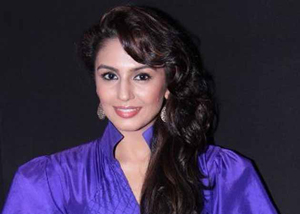 11nov huma 04 Huma Qureshi:  Luv Shuv Tey Chicken Khurana is one of the best feel good romantic family comedies