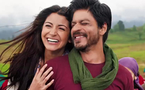 11nov jthjfrontrow 01 Shah Rukh, Katrina and Anushka talk all things Yash Chopra and Jab Tak Hai Jaan with Anupama Chopra