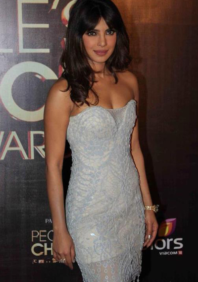 11nov whwnpplchoice priyanka Whos Hot Whos Not   People's Choice Awards