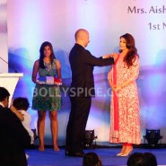 12nov Aishwarya Abhishek Aaradhya Amitabh FrenchGovtAward06 185x185 IN PHOTOS: Aishwarya Rai Bachchan receives award from the French government plus cutie Aaradhya