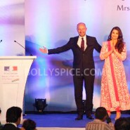 12nov Aishwarya Abhishek Aaradhya Amitabh FrenchGovtAward10 185x185 IN PHOTOS: Aishwarya Rai Bachchan receives award from the French government plus cutie Aaradhya