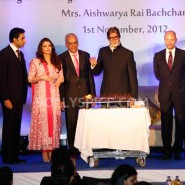 12nov Aishwarya Abhishek Aaradhya Amitabh FrenchGovtAward18 185x185 IN PHOTOS: Aishwarya Rai Bachchan receives award from the French government plus cutie Aaradhya