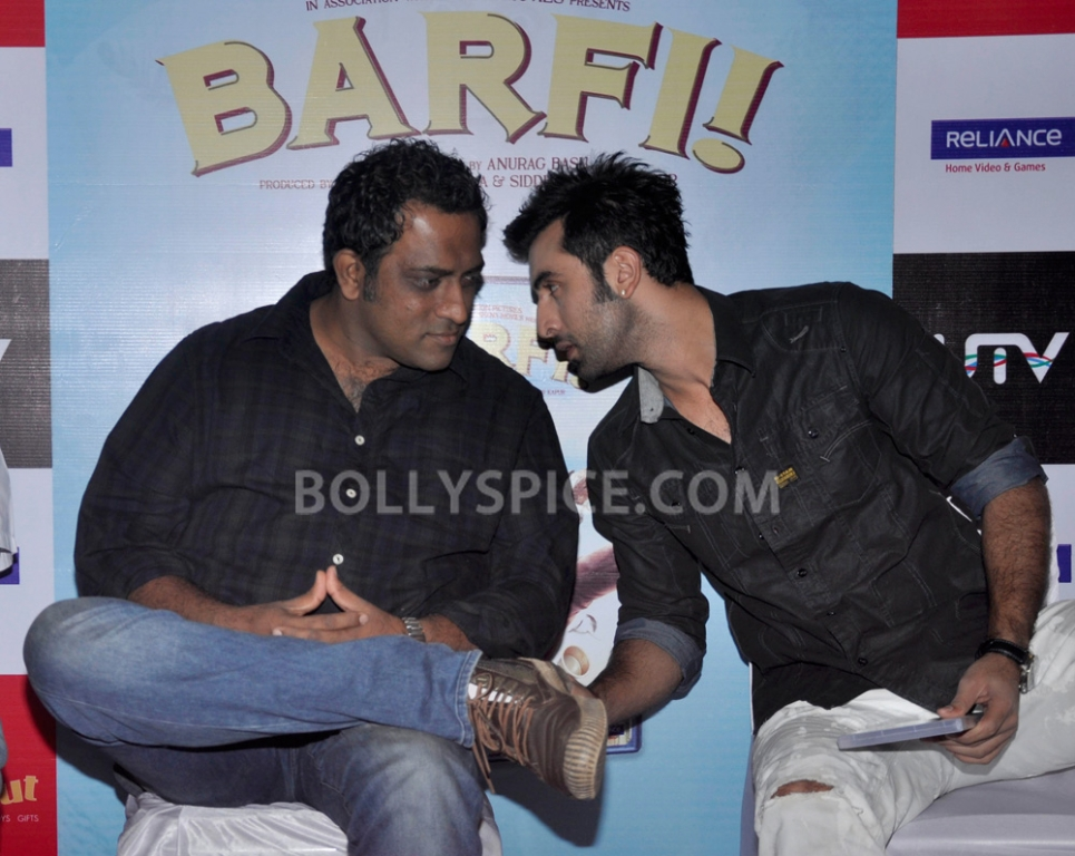 "12nov BarfiHomeVideoLaunch01 ""Gift Barfi! DVDs this Diwali instead of sweets"" – Ranbir Kapoor"