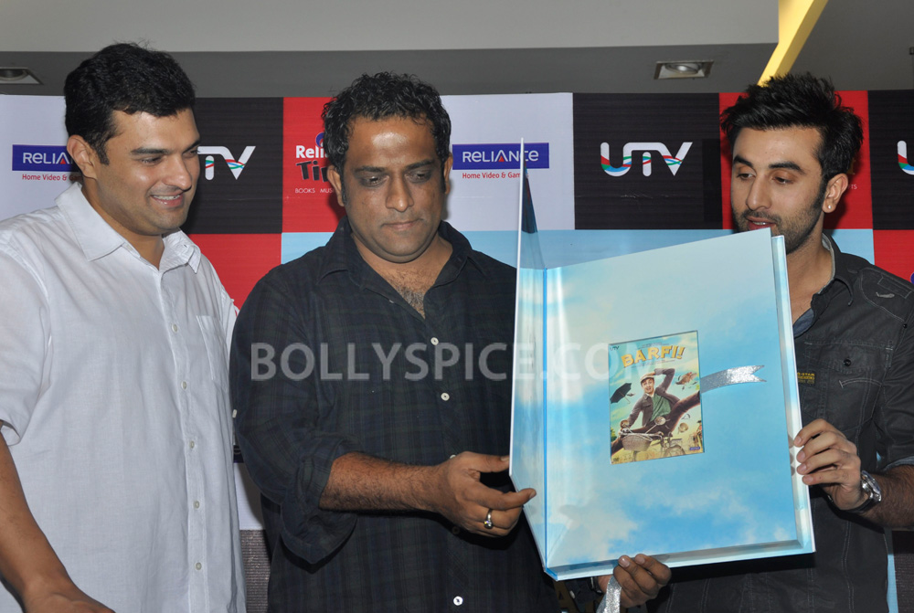 "12nov BarfiHomeVideoLaunch02 ""Gift Barfi! DVDs this Diwali instead of sweets"" – Ranbir Kapoor"