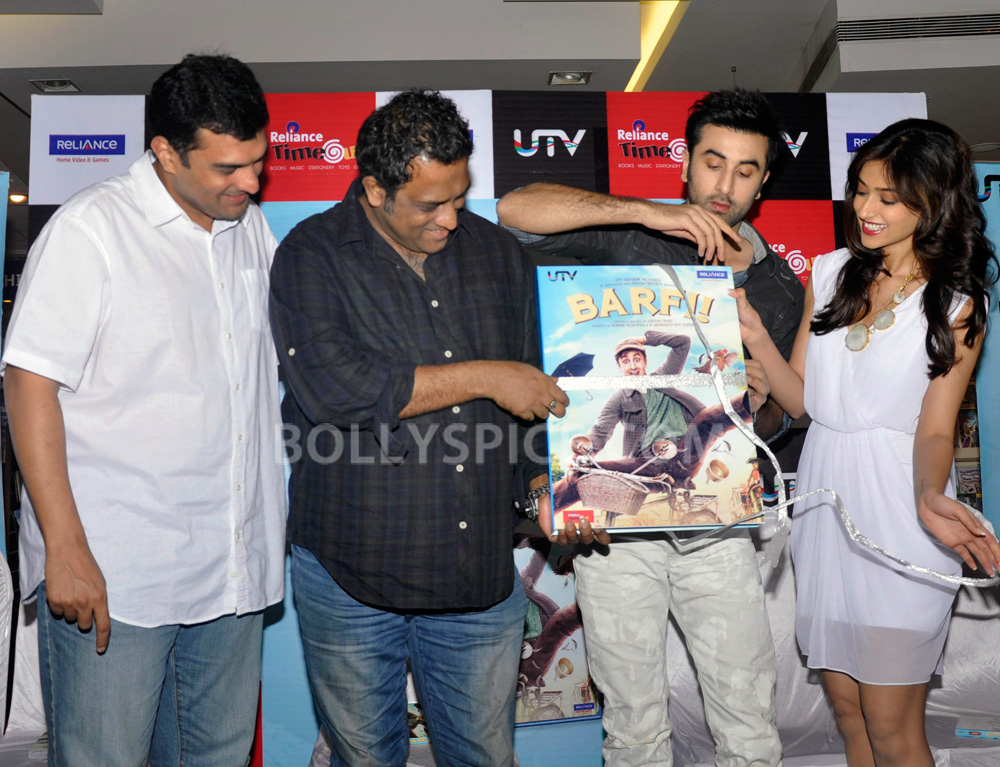 "12nov BarfiHomeVideoLaunch03 ""Gift Barfi! DVDs this Diwali instead of sweets"" – Ranbir Kapoor"