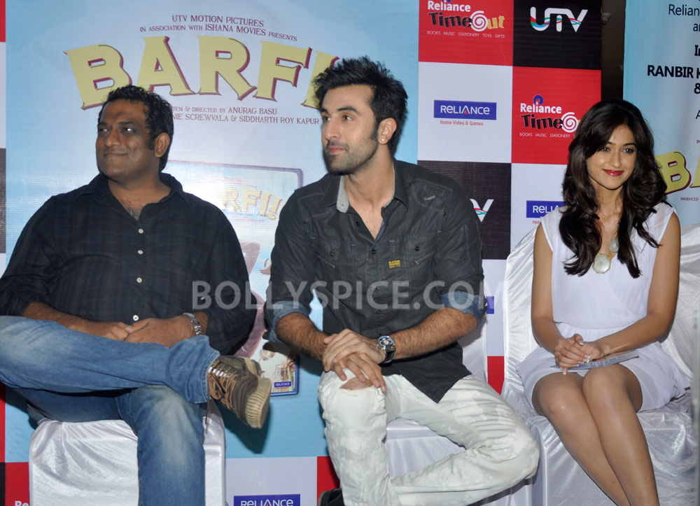 "12nov BarfiHomeVideoLaunch04 ""Gift Barfi! DVDs this Diwali instead of sweets"" – Ranbir Kapoor"
