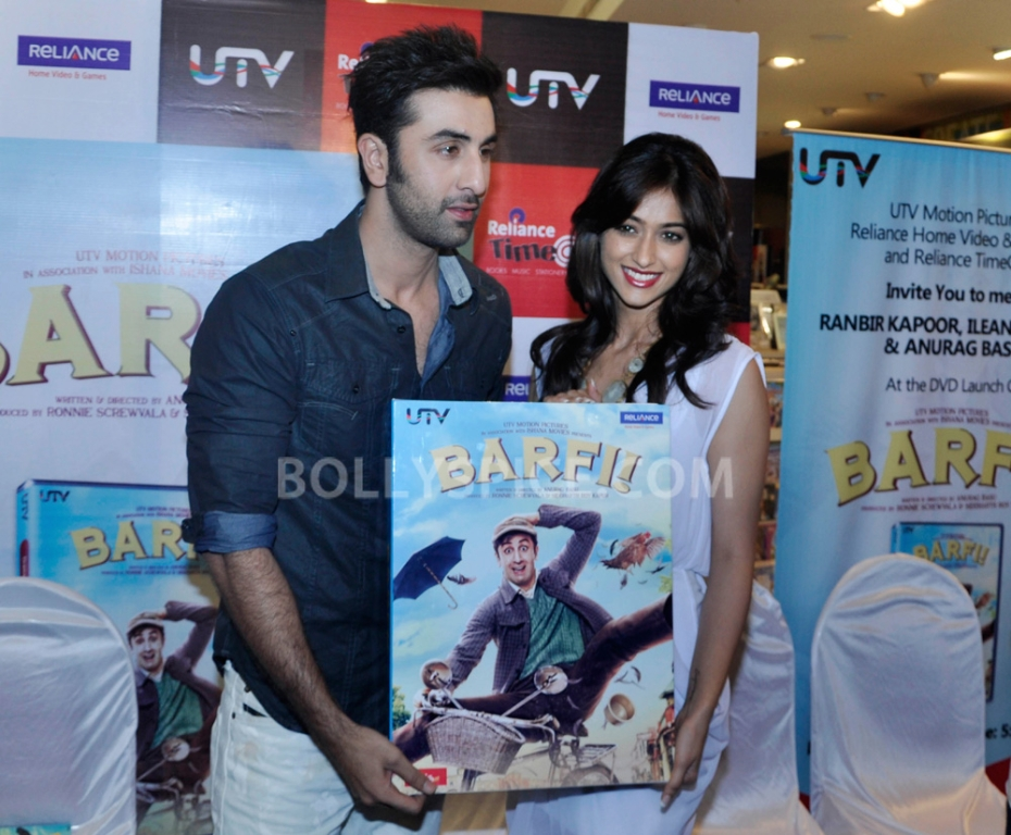 "12nov BarfiHomeVideoLaunch07 ""Gift Barfi! DVDs this Diwali instead of sweets"" – Ranbir Kapoor"