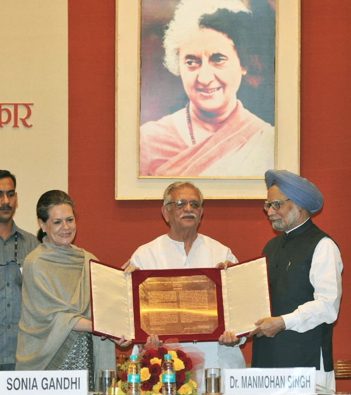 Gulzar is awarded the Indira Gandhi Award