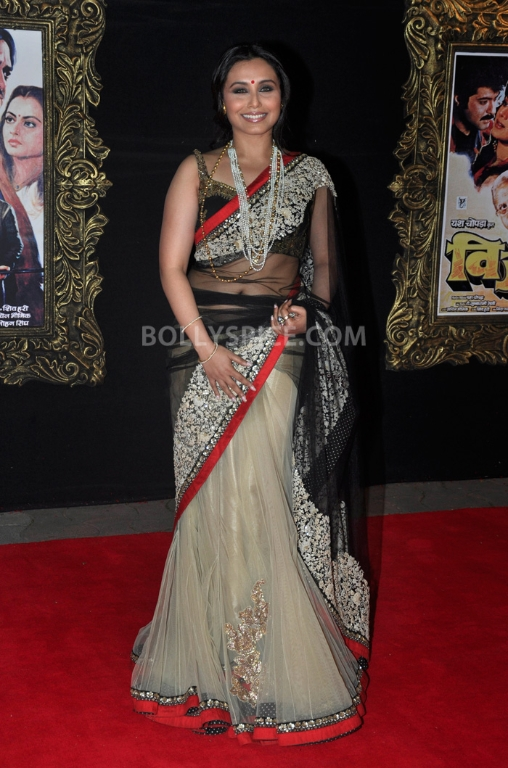 12nov WHWN JTHJPremiere08 Who's Hot Who's Not – Jab Tak Hai Jaan Premiere