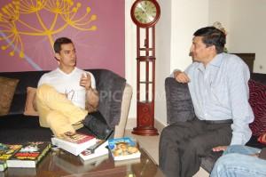 12dec Aamir Meerut Talaash 300x199 Aamir Khan visits Meerut