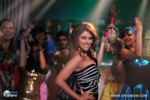 12dec AsinIntervwKhiladi786 01 300x200 It takes, of course, a lot of hard work and planning.   Asin talks all things Khiladi 786 and more