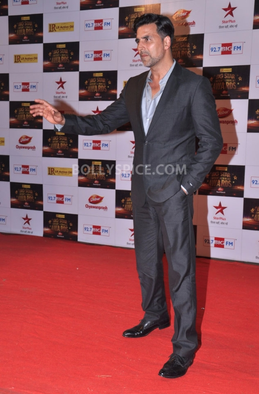 12dec BigStarEntertainmentAwards03 Stars gather for the 2012 BIG Star Entertainment Awards