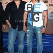 12dec Dabangg2Premiere10 185x185 IN PICTURES: Dabangg 2 Premiere
