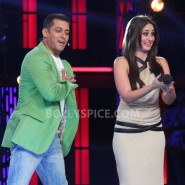 12dec KareenaBiggBoss6Dabangg2 15 185x185 IN PICTURES:Kareena launches Fevicol Se on Bigg Boss 6