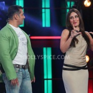 12dec KareenaBiggBoss6Dabangg2 17 185x185 IN PICTURES:Kareena launches Fevicol Se on Bigg Boss 6