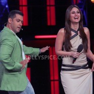 12dec KareenaBiggBoss6Dabangg2 23 185x185 IN PICTURES:Kareena launches Fevicol Se on Bigg Boss 6