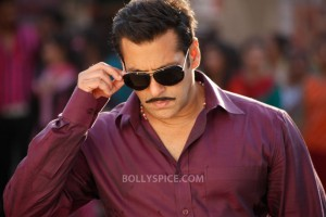 "12dec SalmanKhanIntrvwDabangg2 01 300x200 Salman Khan: ""It is very difficult to make a sequel"""