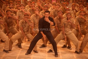 "12dec SalmanKhanIntrvwDabangg2 02 300x200 Salman Khan: ""It is very difficult to make a sequel"""