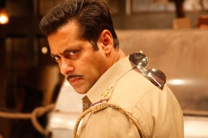 "12dec SalmanKhanIntrvwDabangg2 03 300x200 Salman Khan: ""It is very difficult to make a sequel"""