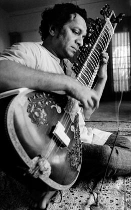 12dec Tribute PanditRaviShankar Tributes pour in for Pandit Ravi Shankar