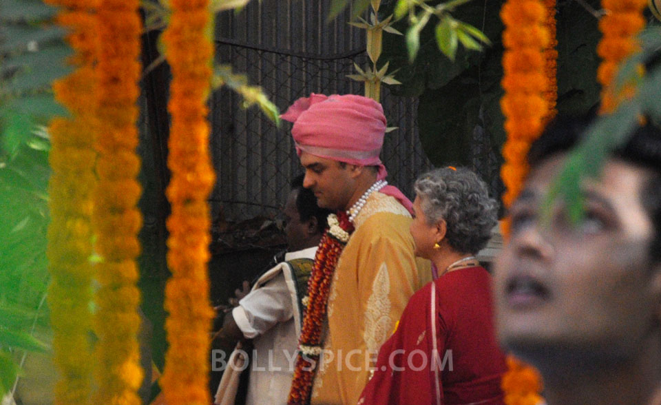 12dec Vidya Siddharth Wedding06 IN PHOTOS: Vidya Balan gets hitched!