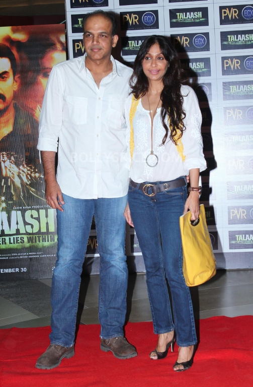 12dec WHWN TalaashScreening03 Whos Hot Whos Not   Talaash Premiere