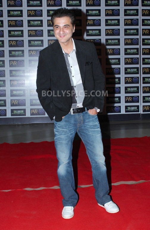 12dec WHWN TalaashScreening06 Whos Hot Whos Not   Talaash Premiere