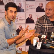 13jan AnupamKher RanbirKapoor23 185x185 In Pictures and Video: Anupam Kher interviews Ranbir Kapoor