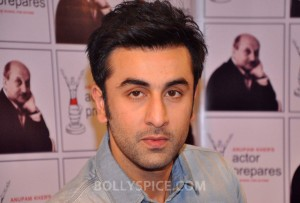 13jan AnupamKher RanbirKapoor31 300x203 Ranbir Kapoor does not regret doing Besharam