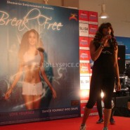 13jan BipashaBreakFreeDVDlaunch02 185x185 Bipasha to teach fitness mantra with her new DVD BreakFree