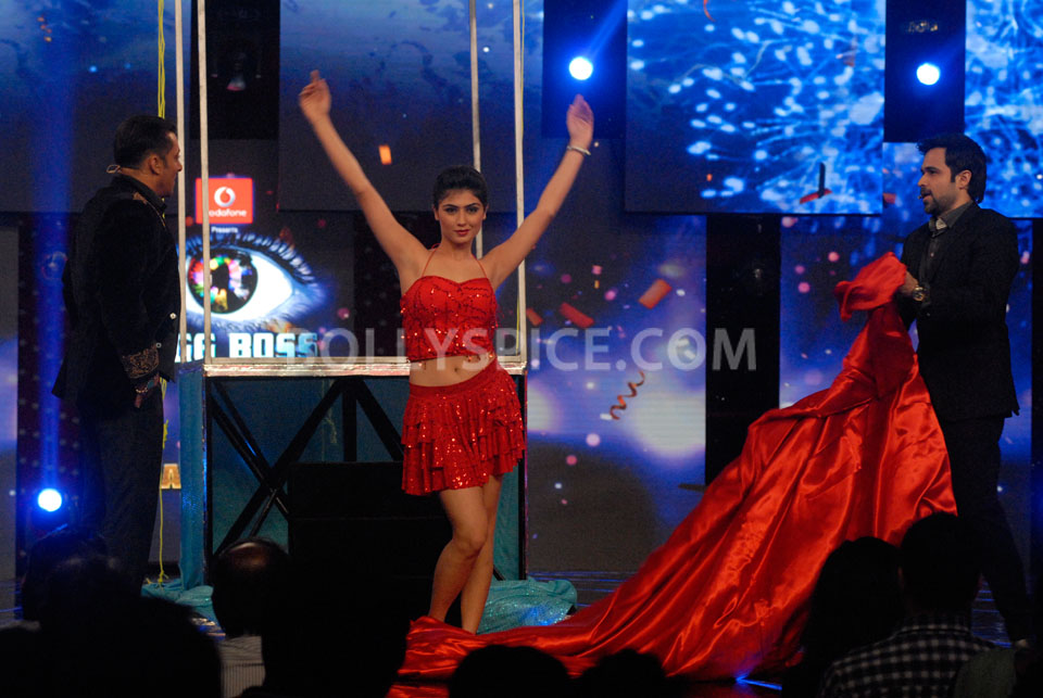 13jan EkThiDaayan BiggBoss02 IN PICTURES: Emraan, Salman and Ek Thi Daayan on Bigg Boss 6