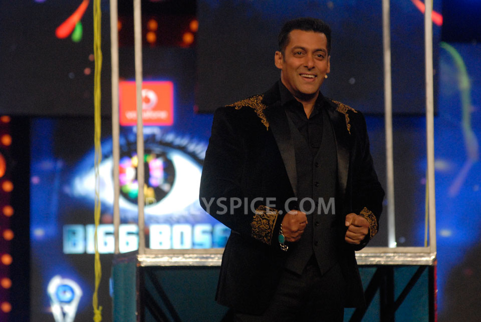 13jan EkThiDaayan BiggBoss06 IN PICTURES: Emraan, Salman and Ek Thi Daayan on Bigg Boss 6