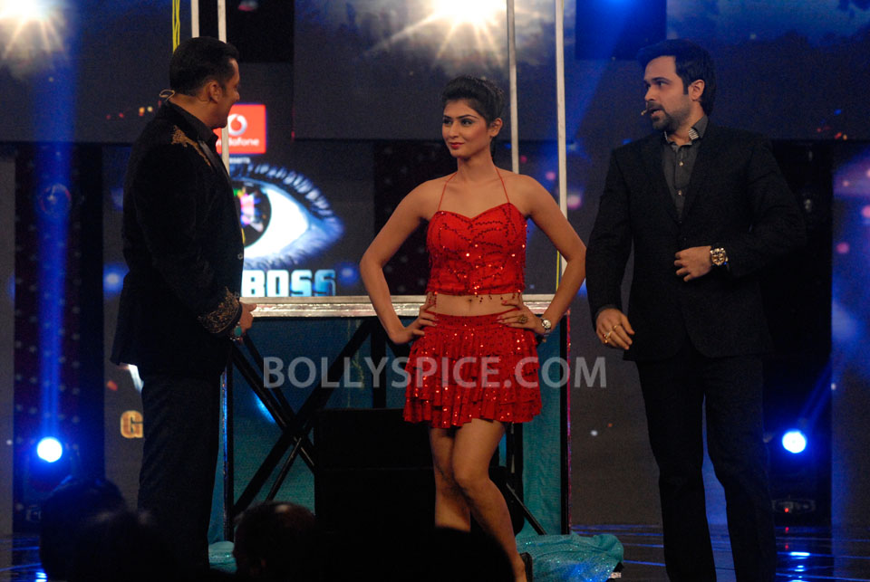 13jan EkThiDaayan BiggBoss10 IN PICTURES: Emraan, Salman and Ek Thi Daayan on Bigg Boss 6