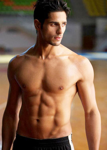 13jan HottestBodies2012 03 REFLECTIONS 2012: Hottest Stars of Bollywood 2012