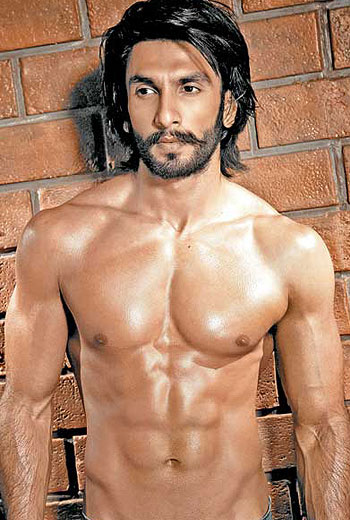 13jan HottestBodies2012 05 REFLECTIONS 2012: Hottest Stars of Bollywood 2012