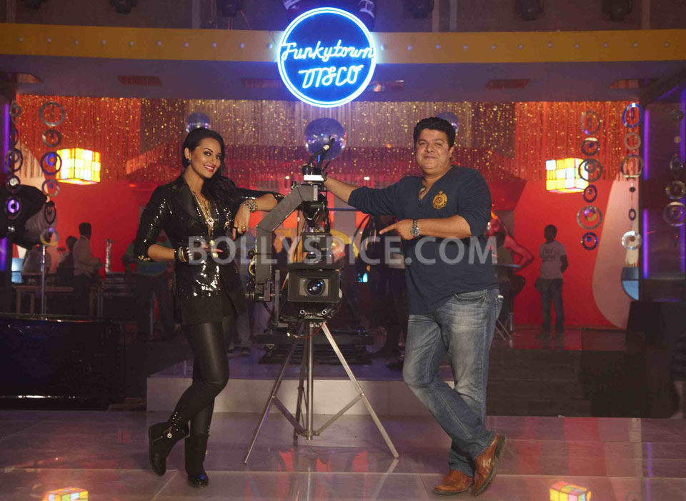 13jan Sonakshi Himmatwala TGIF05 Sonakshi says 'Thank God Its Friday'!