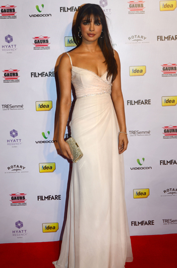 13jan whwnffnom priyanka Whos Hot Whos Not   58th Filmfare Awards Nominations Bash