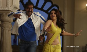Ajay Devgn and Tamannaah from the song 'Taki o Taki re'