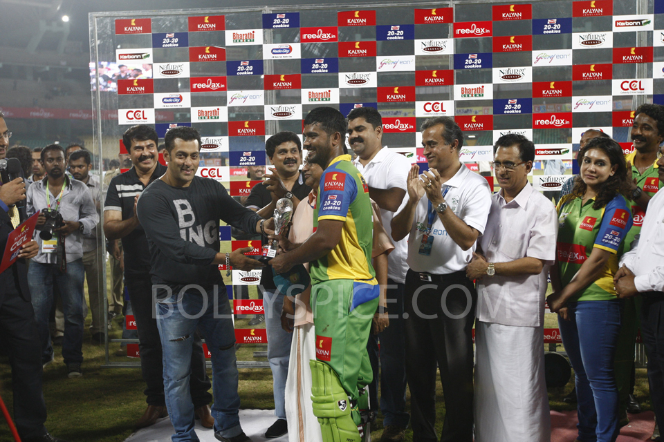13feb cclmatch1 03 Mumbai Heroes vs Kerala Strikers   First CCL Season 3 match