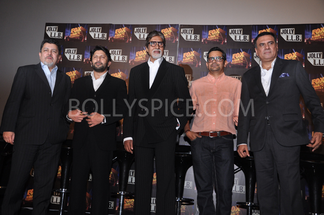13feb jolly 02 Fox Star Studios' Jolly LLB trailer touches hearts of a Million people !!