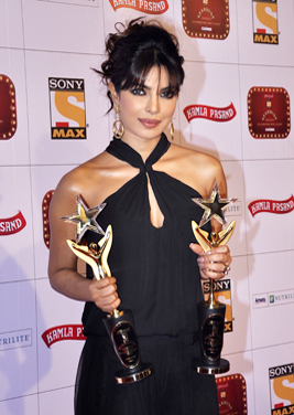 13feb whwnstardust priyanka Whos Hot Whos Not   Stardust Awards