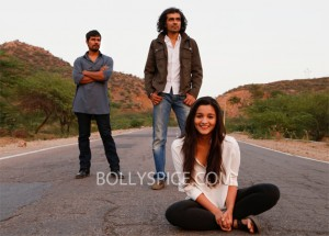13mar highway 02 300x215 Imtiaz Ali follows his instincts and shoots Highway in a chronological sequence