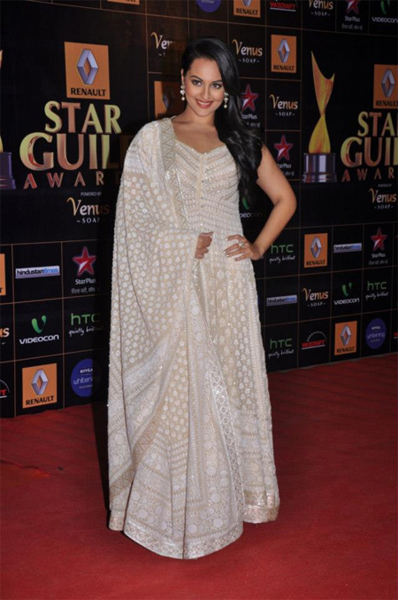 13mar whwnstarguild sonakshi Whos Hot Whos Not   Star Guild Awards